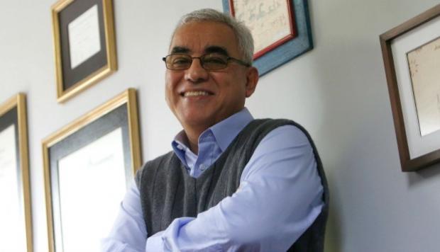 Rolando Arellano B.